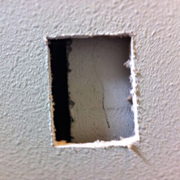 Fixing hole in drywall